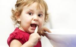 Dentição: cuidados para a saúde dos primeiros dentinhos